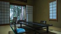 【本館/紅紫-koshi-】2階10畳 採光に工夫を凝らした客室