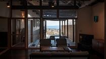 【別荘/悠‐yu‐】開放的な空間とデンマーク製の気品あふれる調度品に囲まれた、極上のスイートルーム