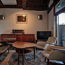 【別荘:閑-kan-】古民家の落ち着いた空間に高級アンティーク家具。日常を忘れリラックスタイムを。