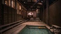 【別荘/閑‐kan‐】ウッドデッキ側からリビング、ベッドルームまで見ることが出来る安心感