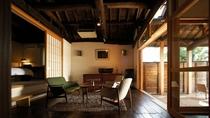 【別荘/閑‐kan‐】リビングルーム、和室、ベッドルーム、テラス、露天・展望風呂のあるお部屋です
