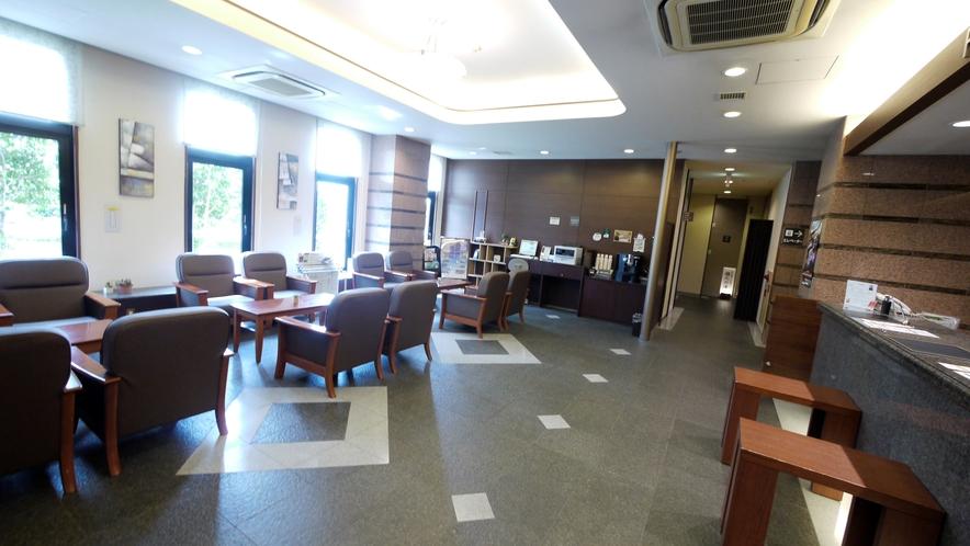 フロントロビー◇閲覧新聞・飲食店案内・ウェルカムコーヒーなどお寛ぎ頂ける空間です。