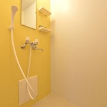 *和室6畳(客室一例)/簡素ではございますが、シャワーブースを完備。