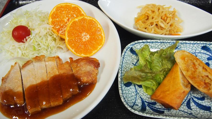 夕食(ポークソテー)