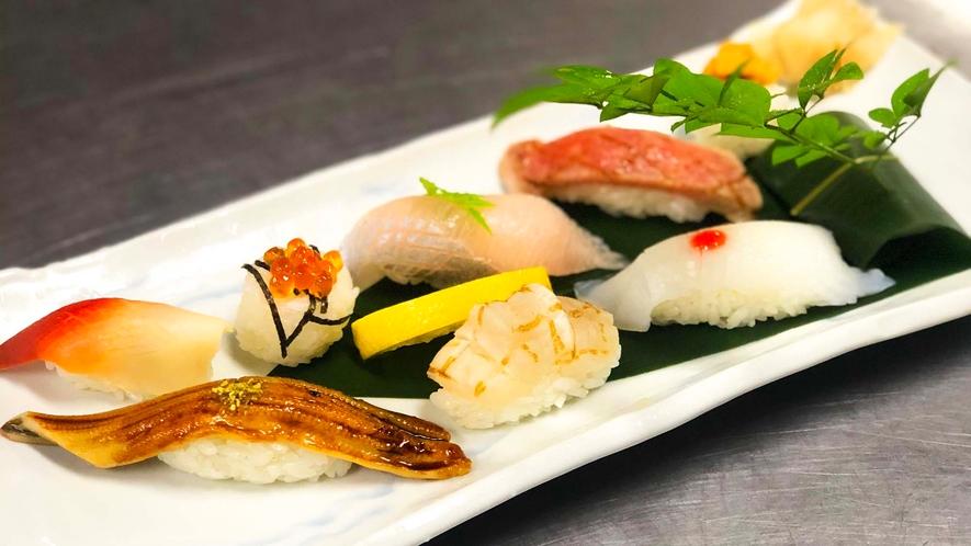 ・【食事】<キング定食>地元で獲れた旬な食材を使ったおいしい夕食です