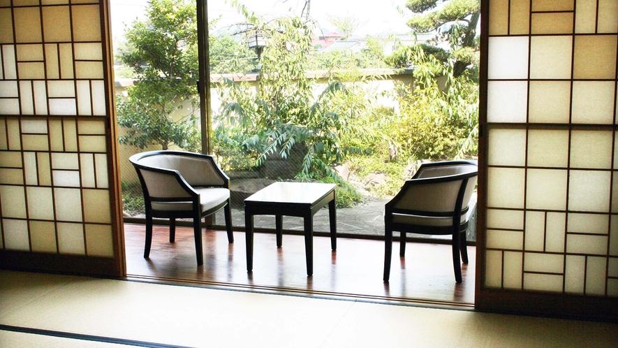 ・【内風呂付和室】和室ですがテーブルとイスもご用意しております