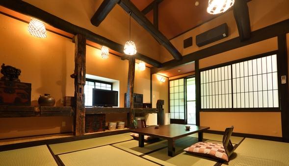 ■檜の半露天風呂付客室やすらぎ館■