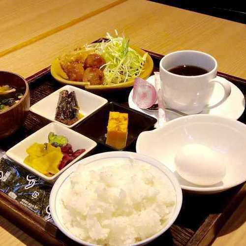 無料朝食(AM6:30〜9:00オーダーストップ)