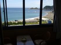 広縁から海水浴場