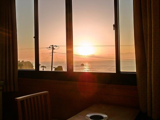 お部屋からの眺め(日の出)