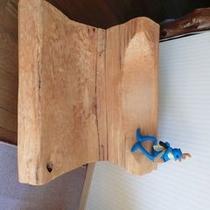 店主の手作り 木の椅子