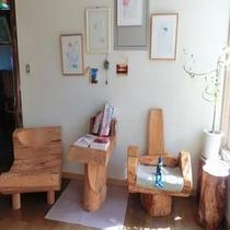 店主の手作り 木の椅子&テーブル