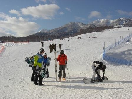 【富良野スキー場】海外からのスキーヤーも多く集まります。