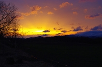 【春】初春の雨の合間の美しい夕陽
