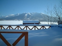 【冬】雪深い白と青の風景