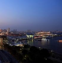 海側客室から望む横浜港の絶景
