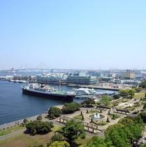 海側客室から望む横浜港