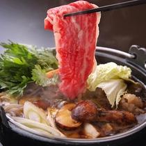 松茸と上州牛すき焼き、松茸の香り上州牛の旨みと甘味をご堪能いただけます。