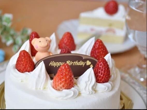苺のホールケーキでのお祝いが一番嬉しい。