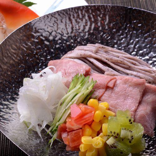 和牛冷しゃぶ黒米麺の和風冷やし中華1