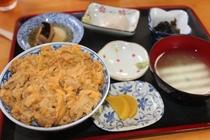 縫い道食堂のウニ丼定食