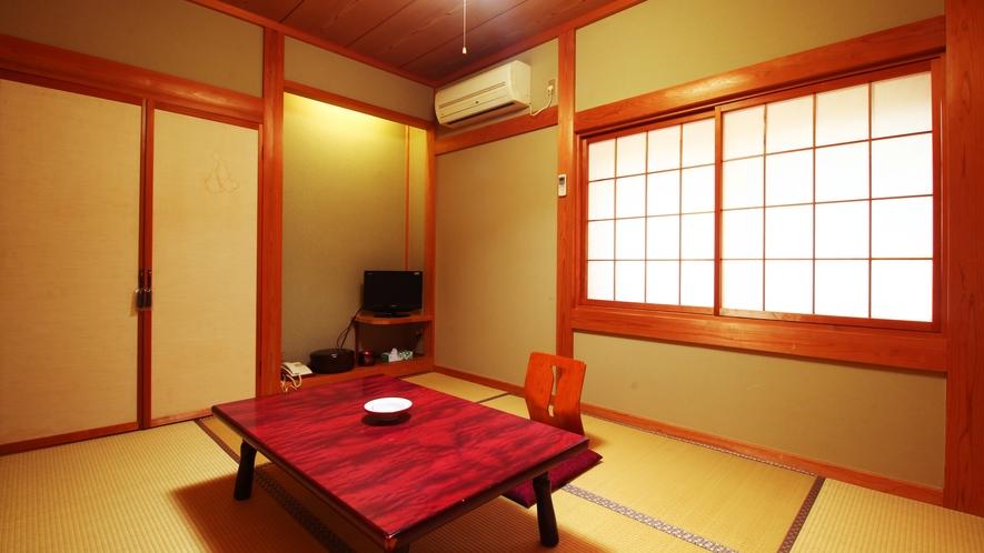 【客室】おひとり様でゆったり6畳和室