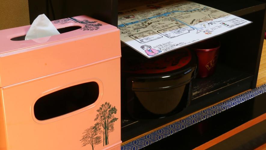 【レトロな置物シリーズ】客室にある、ちょっと珍しいティッシュ&ダストBOX