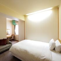 デラックスダブル 17.0平米・スランバーランド社製140cm幅ベッド