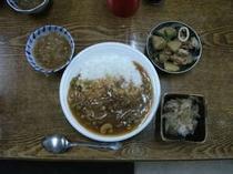 夕食の一例(ハヤシライス)