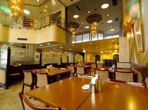 【レストランひいらぎ】朝には大きな窓から日が差し込み、明るい雰囲気でお食事ができます。
