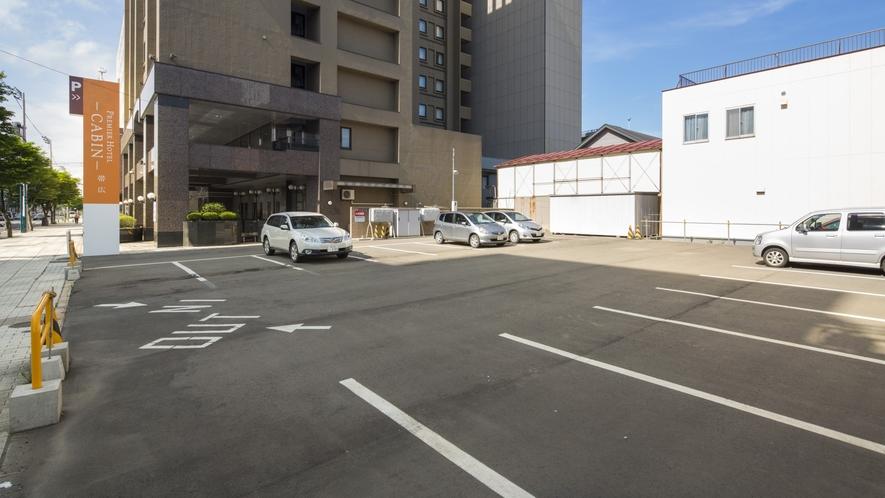 屋外大型車駐車場