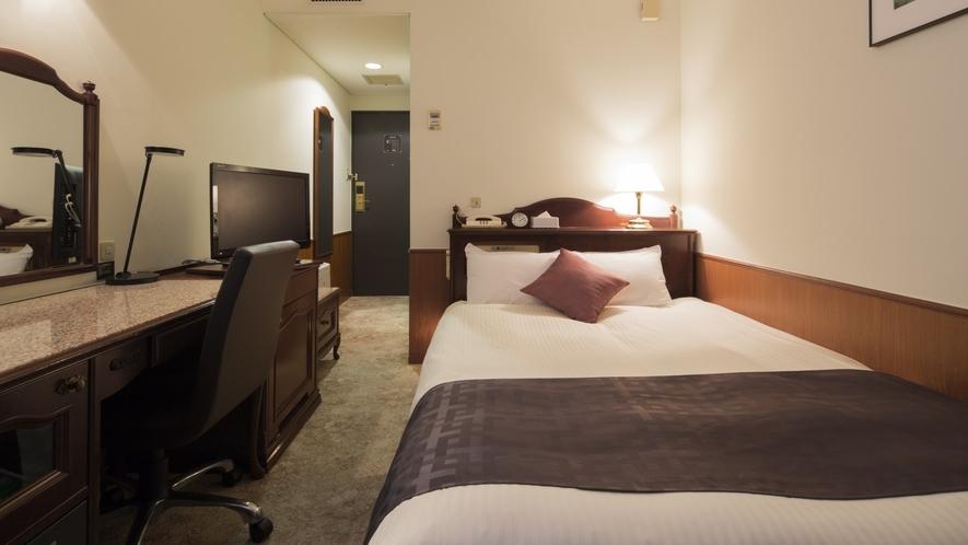 ベッドサイズ140㎝×1台 13~14平米 一般的なシングルサイズより広めなベッドを使用しています。