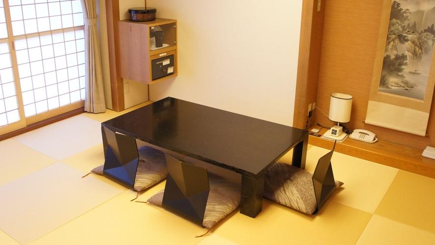 和室は8畳から15畳をご用意しておりますので大人数でも宿泊可能♪