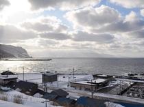 【眺望】夕焼け泊村盃漁港と日本海
