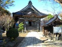 彫刻が有名な番神堂