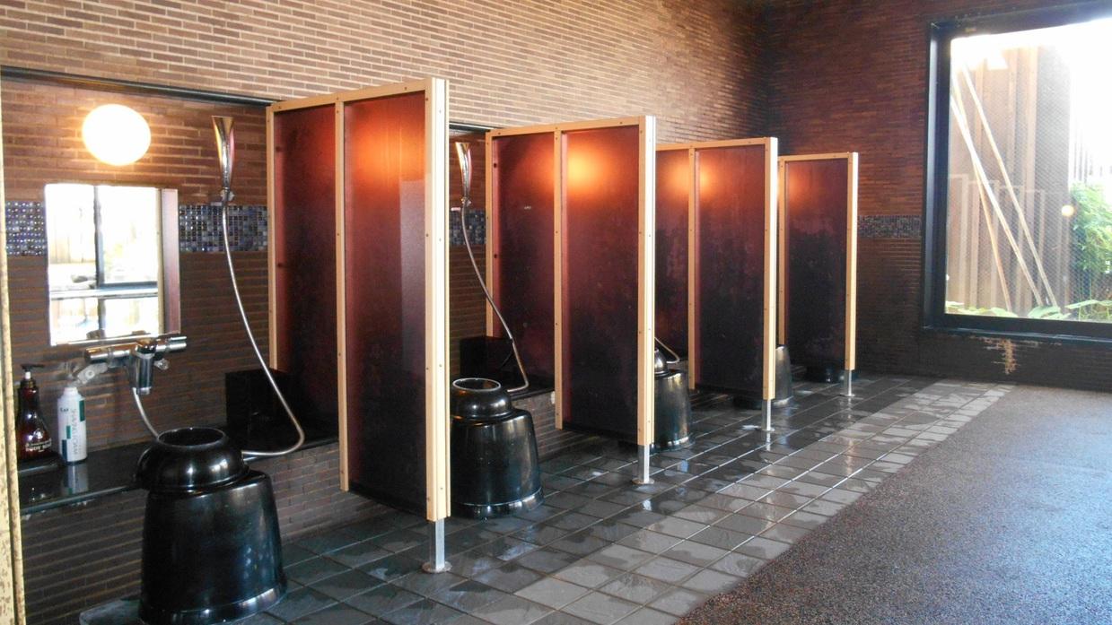 ◆男性大浴場 洗い場 9席