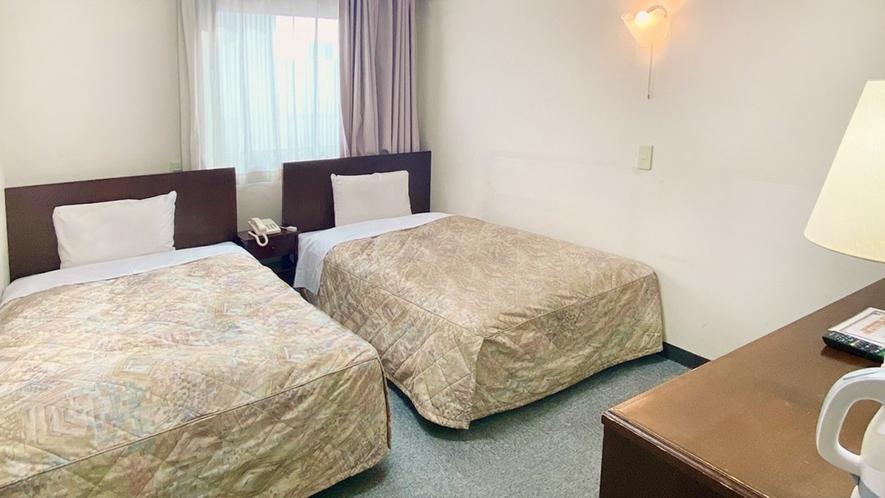 ★ツインルーム★110cm幅ベッドが2台、観光旅行に最適♪