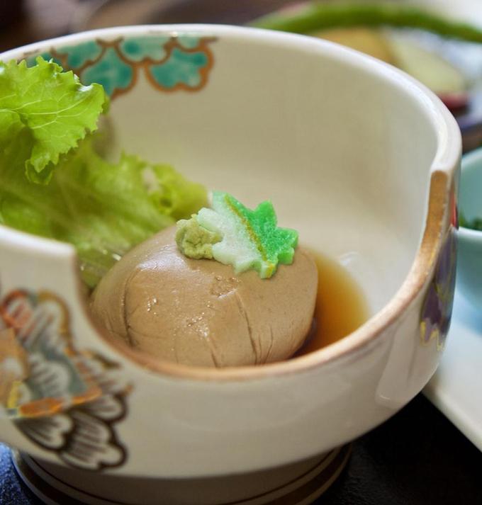 当館自慢のゴマ豆腐