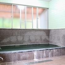 *[内風呂/温泉]24時間入浴可能で便利。遅い到着の後もゆっくりと疲れを癒せます。
