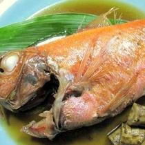 *[夕食一例]金目鯛の姿煮。大きな身に皆様驚かれます。
