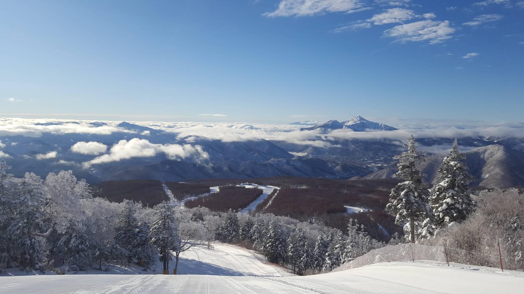 【冬】裏磐梯の雄大な景色が広がる