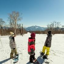 磐梯山に向かって滑るレインボー3500