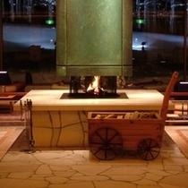 【冬】暖かい暖炉でお迎えします