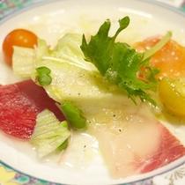 *【夕食例】海山の味覚を楽しめるお食事です。