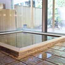 *【内湯】古代檜のお風呂につかってのんびり…
