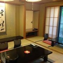 【和室一例】数寄屋造りの落ち着いた和室 ゆっくりとした時の流れを感じてお過ごしください。
