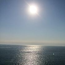 美しき春海。目の前が海岸です♪