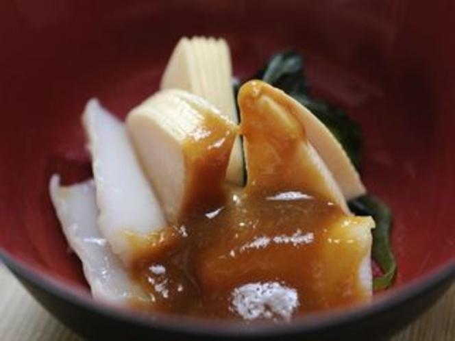 竹の子と烏賊の酢の物