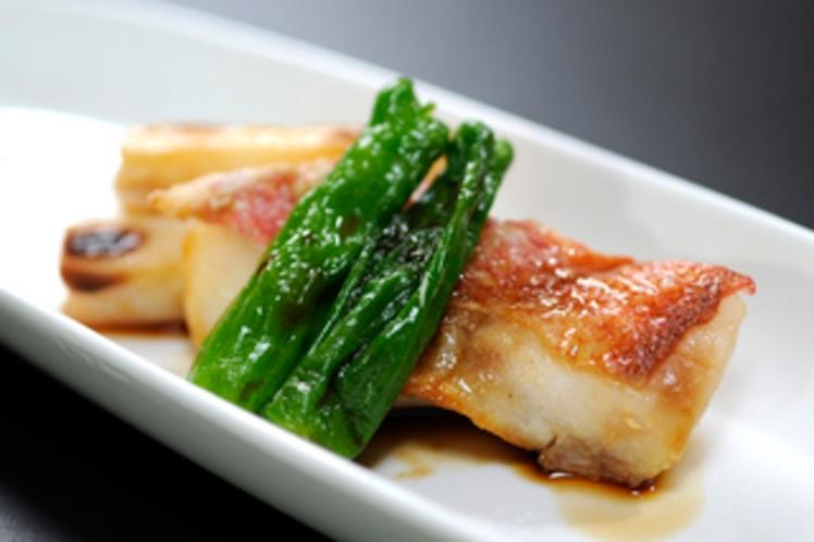 【薬膳料理】白身魚と山菜の焼物