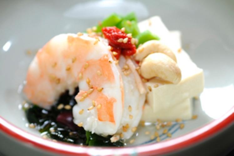【薬膳料理】海老と豆腐のサラダ